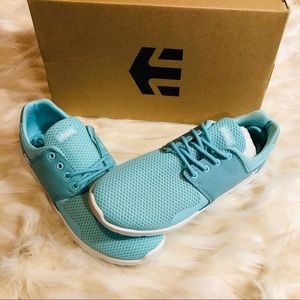 New Etnies shoes size 8